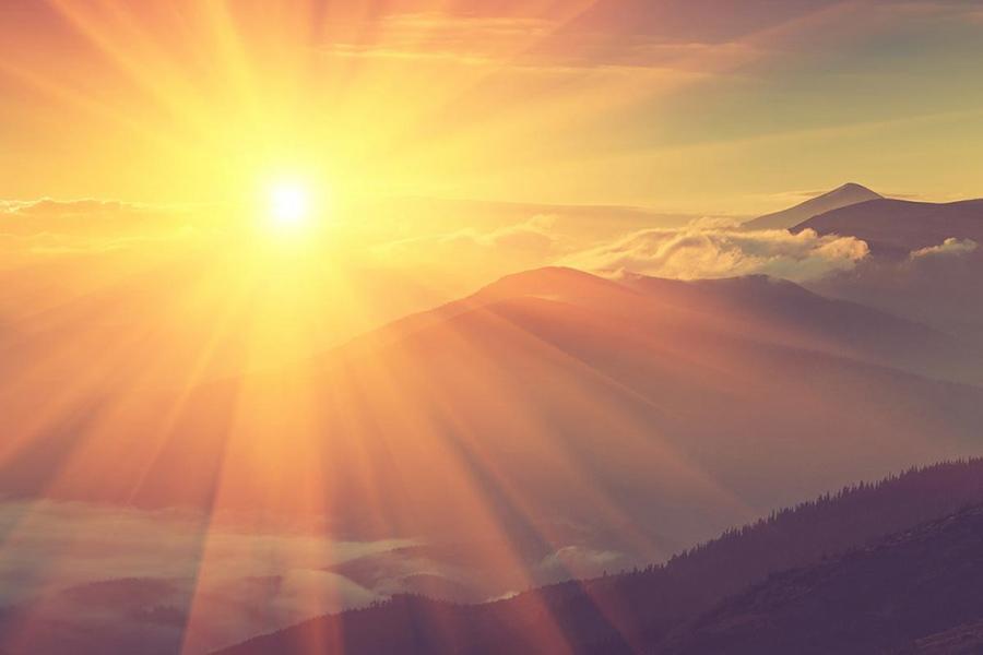 Sunrise (Shutterstock)